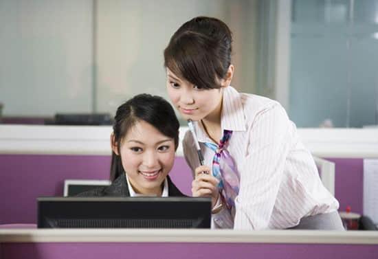 不会电脑办公女生在工厂做文员好吗?